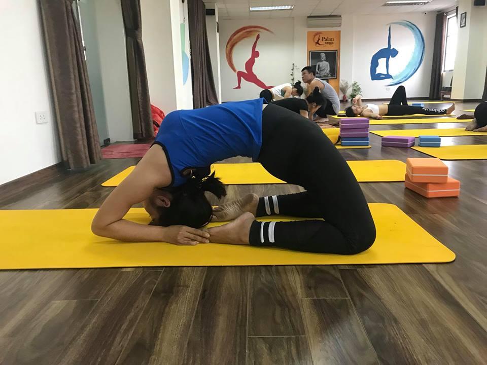 Phong-tap-PALAN-Yoga-Center-Quan-Dong-Da (1)