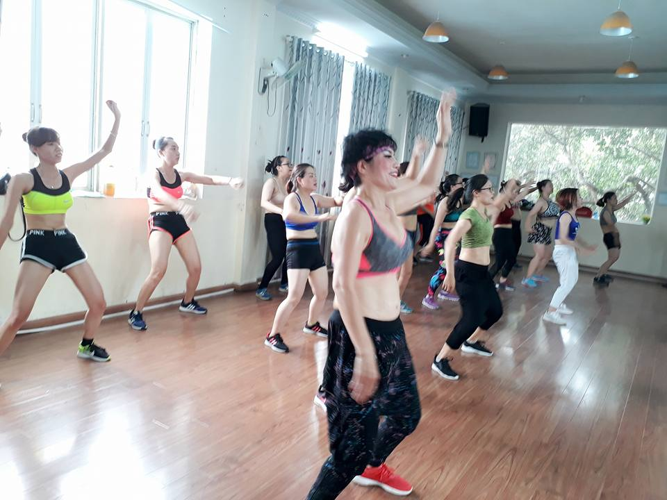 Phong-tap-nhay-La-Belle-Zumba-Fitness-Quan-Dong-Da (2)