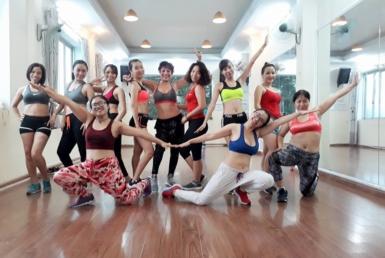 Phong-tap-nhay-La-Belle-Zumba-Fitness-Quan-Dong-Da (3)