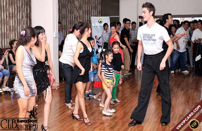 Dancesport Rạch Miễu dạy khiêu vũ chấy lượng