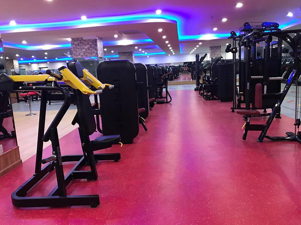 cau-lac-bo-the-hinh-Rocky-Fitness-Center (2)