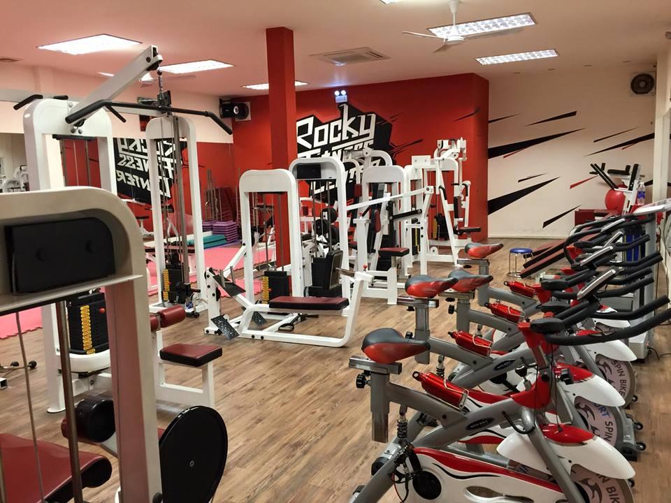 cau-lac-bo-the-hinh-Rocky-Fitness-Center (3)