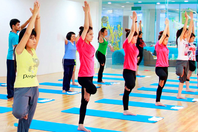 phong-tap-yoga-Ganesh-Yoga-Earobic-Club-go-vap (17)