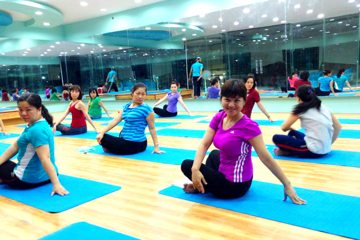 phong-tap-yoga-Ganesh-Yoga-Earobic-Club-go-vap (18)
