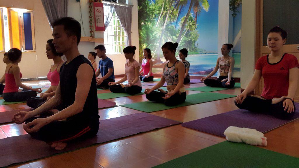 phong-tap-yoga-huong-tre (3)